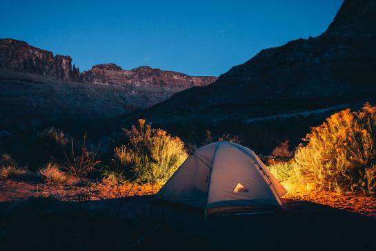 Confira 4 cuidados essenciais na hora de acampar com as crianças