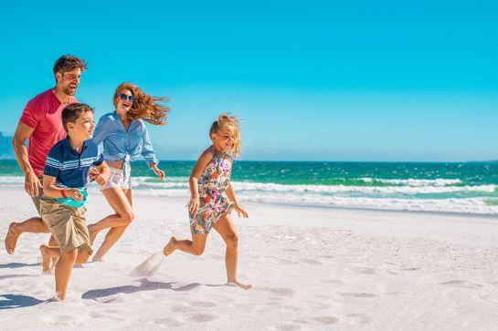 Viagem em família: 5 praias boas para crianças