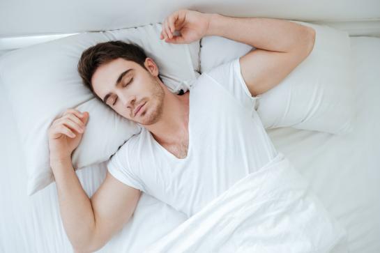 Saiba como escolher o melhor travesseiro para dormir corretamente
